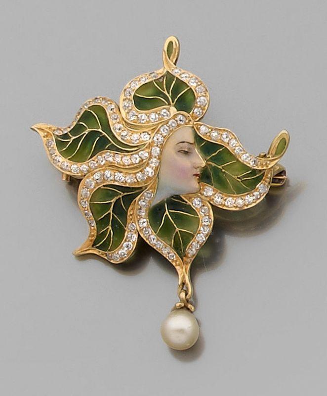 An Art Nouveau diamond, enamel and 18K gold brooch / pendant .: