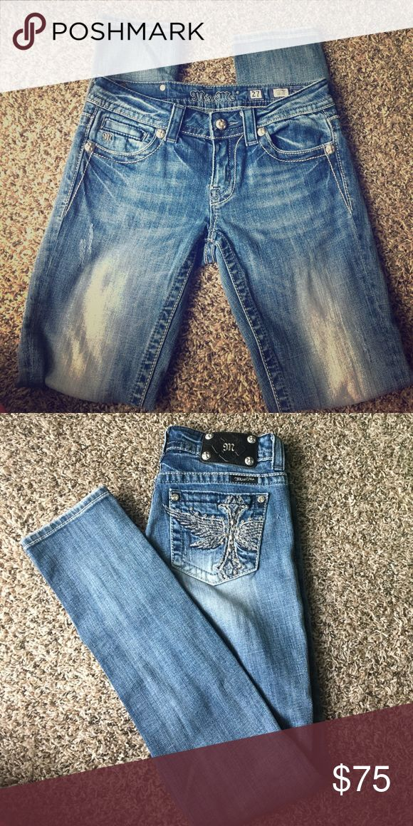 Medium wash skinny Miss mes Size 27 Miss Mes, Medium wash skinny fit, No alterations done, All jewels and studs are present on them. Miss Me Pants Skinny