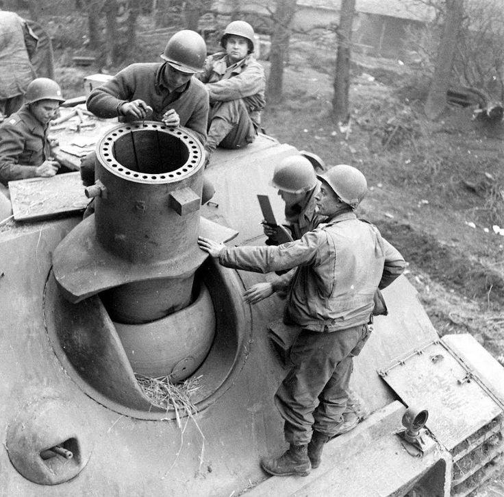 Rare beast. Sturmtiger built on tiger I chassis for bunker busting.