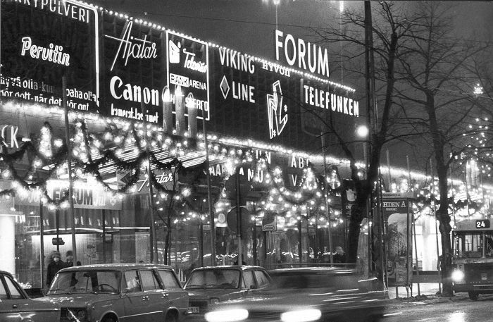 Helsingin keskusta jouluna 1973.