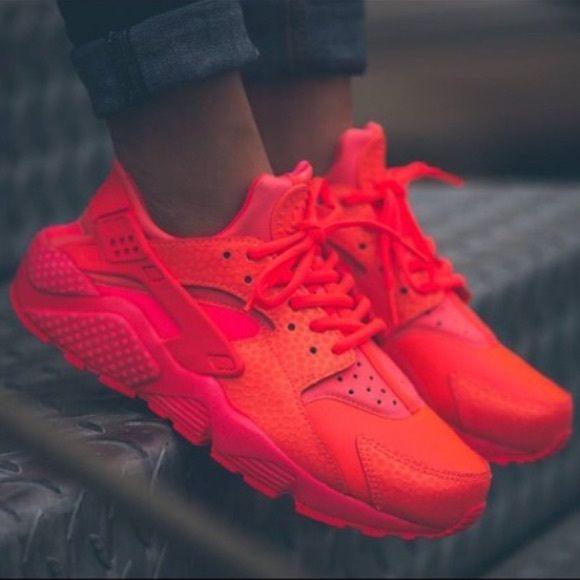 Chaussure Nike Huarache Rouge