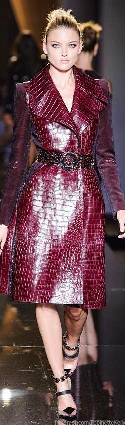 Versace Atelier Haute Couture | F/W 2013 honestly not sure whether i love this or hate it