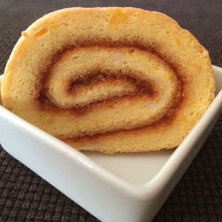 Sponge cake roll with homemade apricot jam