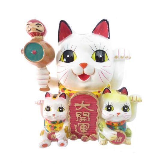 Japanse gelukskat spaarpot 30 cm. Witte Japanse gelukskat met twee kleine gelukskatten spaarpot. De spaarpot is gemaakt van keramiek en ongeveer 20 x 30 cm groot.