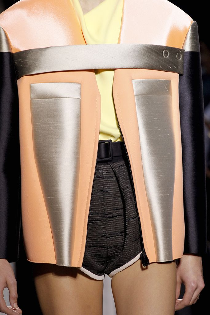 Balenciaga - Spring 2012 Ready-to-Wear - Look 8 of 68