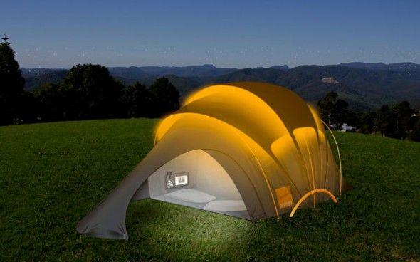 Barraca de camping tem sinal de internet e produz energia solar para carregar celulares - Pensamento Verde