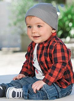 cool little boys outfit: short sleeve t + plaid shirt + jeans