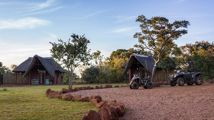 The lodge's accommodation are made up of 5 African bush tents & 3 Ndebele chalets, all decorated in an African style.