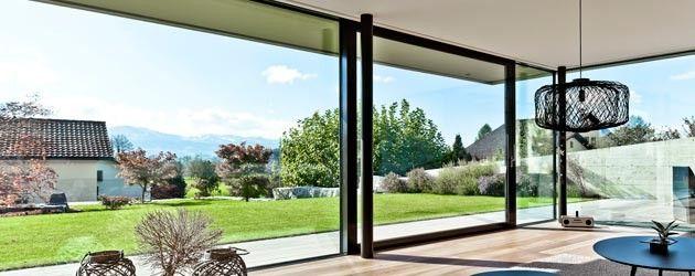 Las ventanas y puertas correderas de Reynaers, nos convencen por la alta calidad de su aluminio.