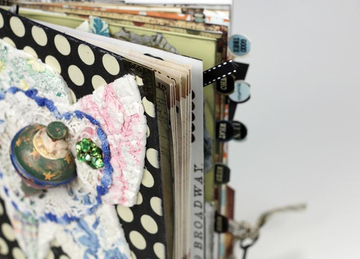 Bauble album - Scrapbook.comScrapbook Inspiration, Minis Album, Art Journals, Journals Ideas, Minis Scrapbook, Amazing Artists, Journals Viajes, Baubles Album, Diy Projects