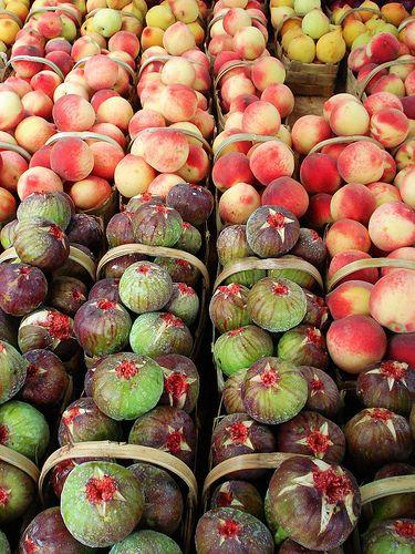 fresh fruit at the market, Itatiba county, Sao Paulo state, Brazil