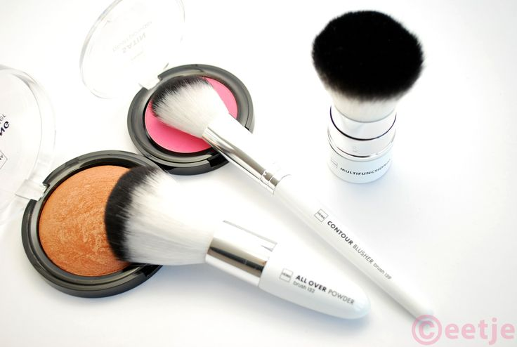 Kabuki, powder en blush kwasten van Hema http://www.ceetje.nl