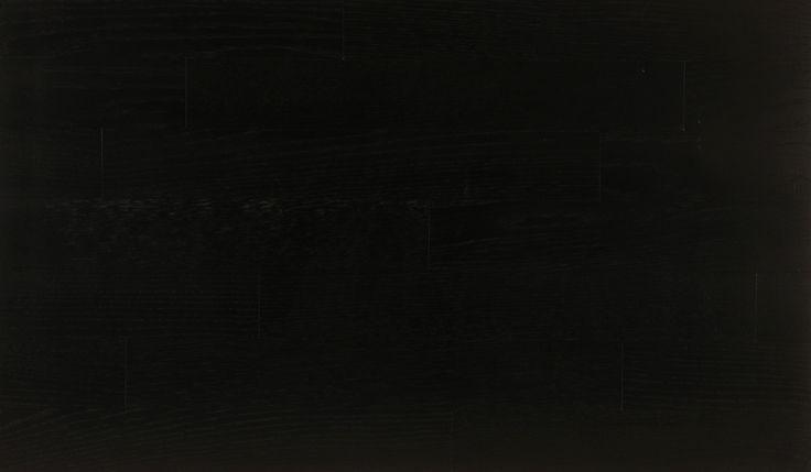 czarne deski podłogowe