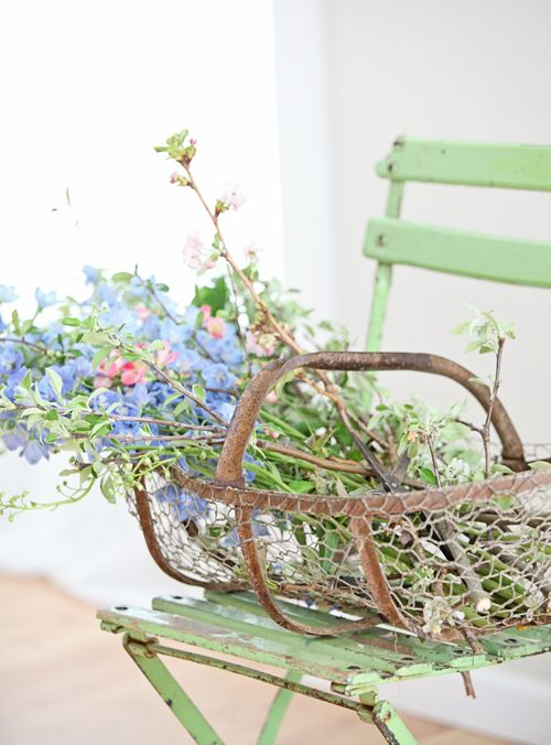Dreamy Whites: French Farmhouse Finds, The Chateau Sonoma French Flea Market, and a Food Photography & Styling Workshop in Atlanta with Helene Dujardin, Mindi Shapiro, & Tami Hardeman