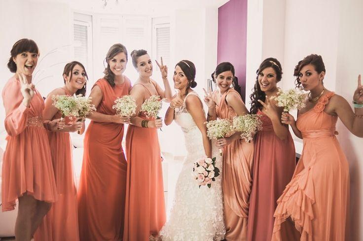 La felicidad de saber que siempre puedes contar con tus damas de honor  #damasdehonor #amigas #familia #novia #felicidad #sonrisas #boda #matrimonio #bridemaids #friends #family #bride #happiness  #wedding #smiles