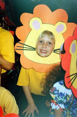 how to make a cowardly lion costume at home
