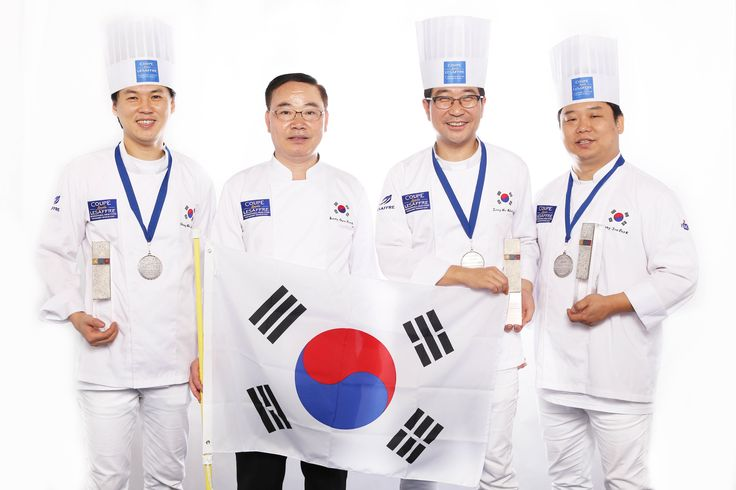 *** SOUTH KOREA *** Winner Chang-Min LEE - Breads candidate Jong-Ho KIM - Viennese pastries candidate Yong-Joo PARK- Artistic piece candidate And coach Sang-Gyu PARK Congratulations to whole team! They are now selected to compete for the World Bakery Cup, in Paris in February 2016.  #BakeryLesaffreCup #Winner #Asia #KOREA #bakerycup