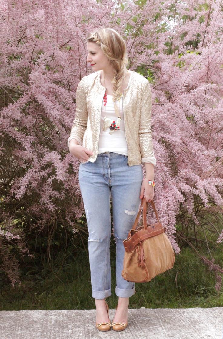 Zoé Macaron / Jean Sandro – Tshirt h – Veste Bizzbee – Bracelet et collier N2 - Escarpins Maloles - Sac IKKS #blogueuse #mode