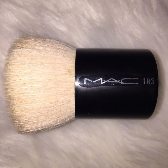 Mac 183 LE face kabuki brush Really soft and super cute! Great brush and took me so long to find this brush I remember going to every Mac store to hunt for it just to never use it bc I didn't want it to be used lol. So it's in perfect condition MAC Cosmetics Makeup Brushes & Tools