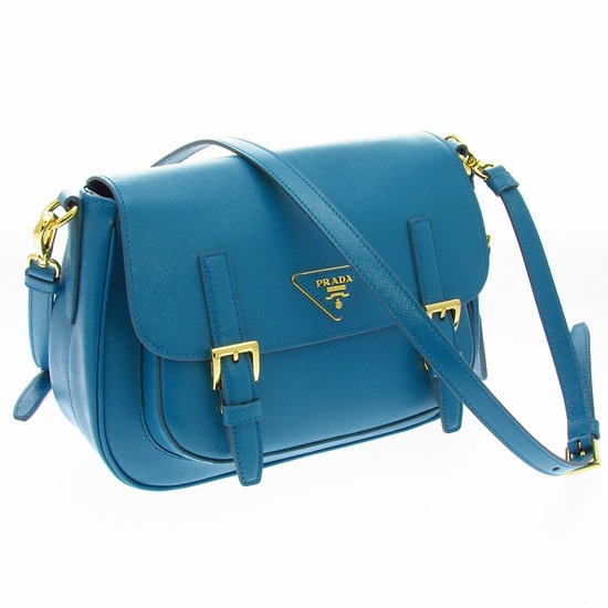 The New Must Have: Prada\u0026#39;s Summer Hunting Bag | Prada, Shoulder ...