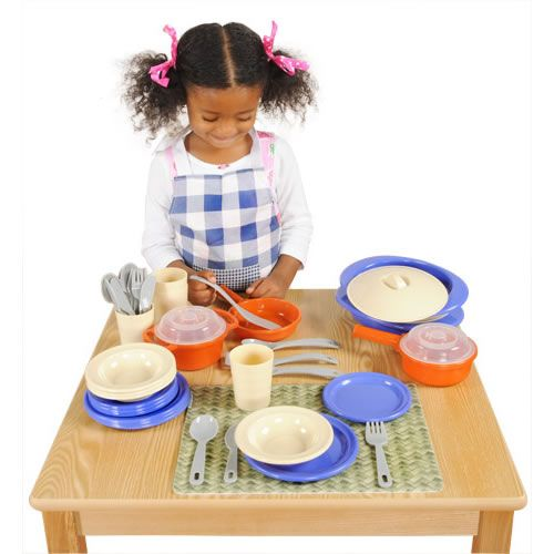 Encourage your child to help prepare meals, real or pretend! This fun cooking set will be fun for both parents and children! https://goo.gl/sLqyVx