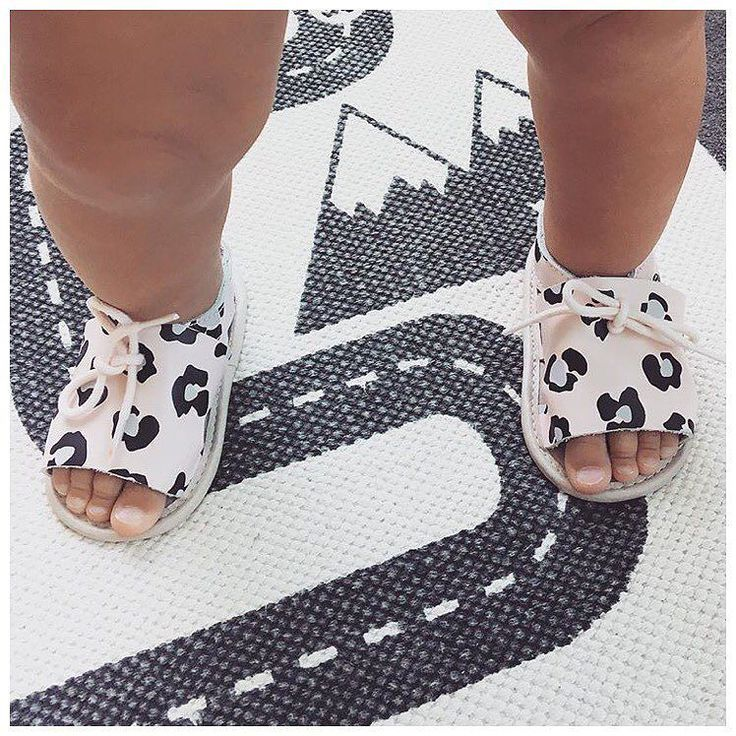 Pretty toes in pretty brave sandals!  We have extended our 30% off sale until the 30th of December so there's still time to get your last minute orders in! : @jarmbui