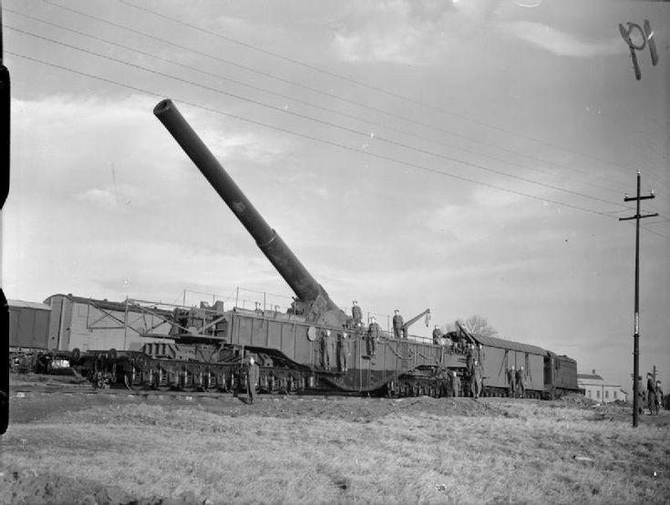 """""""Boche-Buster"""", a 250-ton 18-inch railway gun, Catterick, 12 December 1940. The gun later travelled down to Kent to take up position at Bishopsbourne on the Elham to Canterbury Line, taken over by the Army for the duration of WW2. The gun was in fact an 18 inch howitzer."""