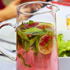 RASPBERRY & MINT SCENTED WATER What a refreshing and delicious drink for a hot summer lunch - great to serve on Christmas Day!!! Get Sammy & Bella's recipe from our blog - https://blitzactive.com.au/blitz-blog/raspberry-and-mint-scented-water.html  Feel good, look great - activewear sizes 16-26 Designed & made in Australia www.blitzactive.com.au #blitzactive #blitzactivewear #plussizeactivewear #curvychics #flavouredwater #christmasdrink #healthywater #feelgoodlookgreat