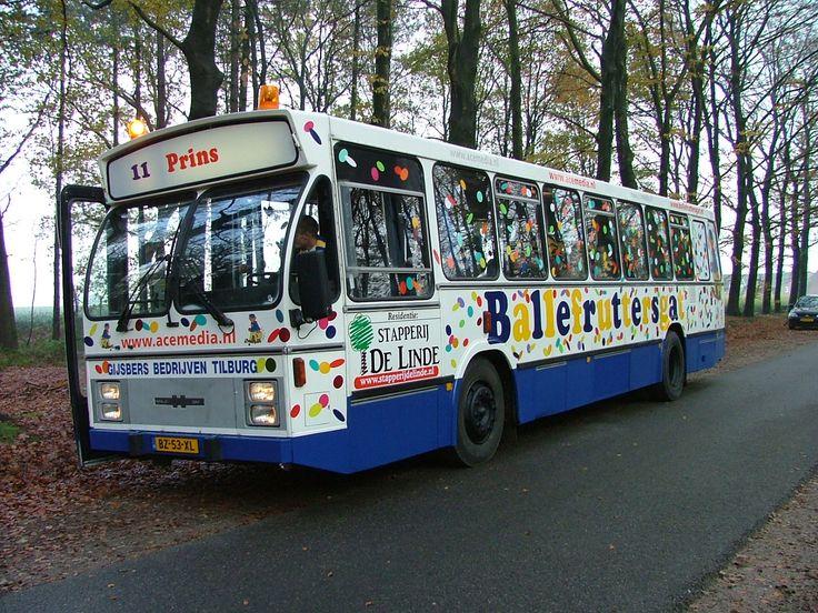 Sinds 2005 beschikt Stichting Karnaval Ballefruttersgat over een eigen bus voor het vervoer van De Hoogheid en zijn gevolg door het Ballefruttersgat en omgeving.