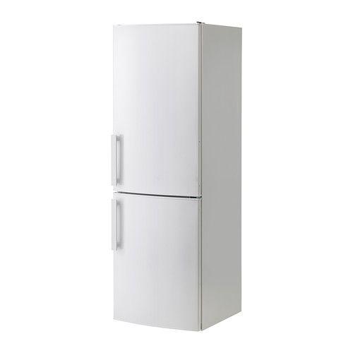 IKEA - KYLD, Frigorífico/congelador A++, 5 años de garantía. Consulta las condiciones generales en el folleto de garantía.Tiene 3 baldas regulables de vidrio templado con protección antigoteo que te permiten adaptar el espacio a tus necesidades.Al tener un ventilador integrado que proporciona una temperatura homogénea a todo el interior, puedes poner la comida en cualquier parte del frigorífico.La función de enfriado rápido es especialmente útil para enfriar rápidamente los alimentos y las…