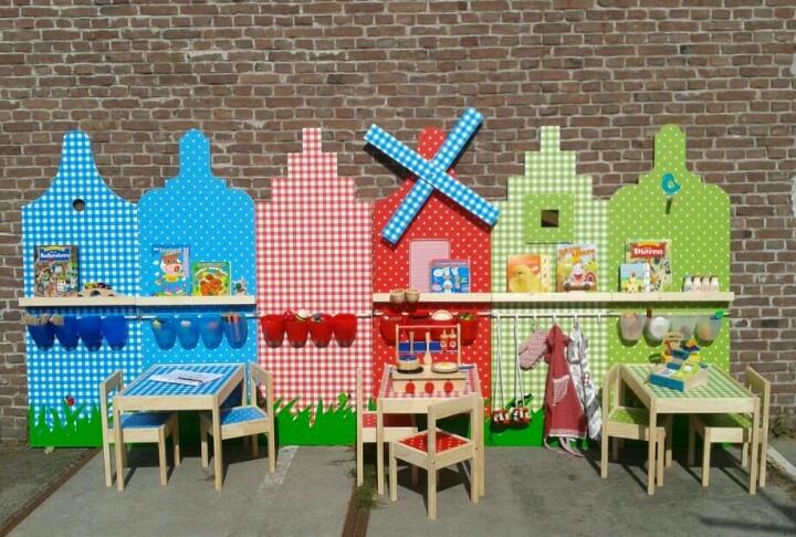 Jou eigen kleine huis in papa' s en mama' s grote huis met jou eigen kinderspeelplek in de vorm van een huisje.
