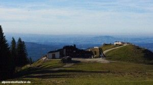 #Hörnlehütte auf dem #Hörnle in den #Ammergauer #Alpen #Bayern http://alpenreisefuehrer.de/deutschland/ammergauer-alpen/klein-aber-fein-das-hoernle-bei-bad-kohlgrub/?utm_source=pinterest&utm_medium=link&utm_term=ammergau&utm_campaign=social