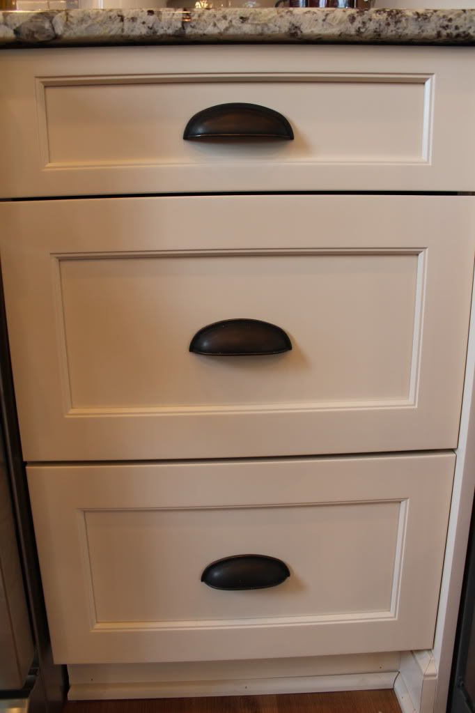 Best 25 kitchen drawer pulls ideas on pinterest kitchen for Brookhaven kitchen cabinets price