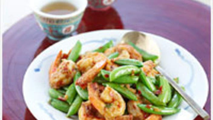CHINESE Szechuan prawns with sugar snap peas