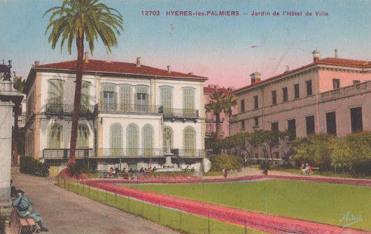 Hyères-les-Palmiers - Jardin de l'Hôtel de ville