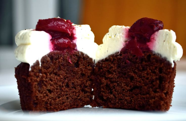 Sweet & Spice: cupcakes cu ciocolata si visine