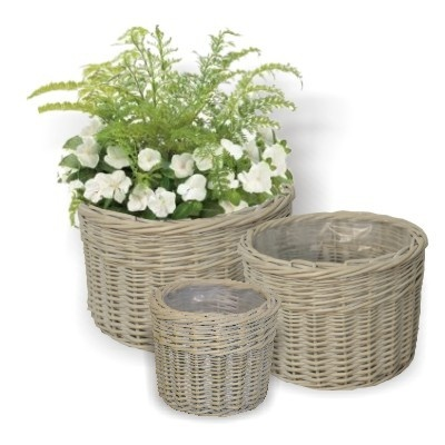 Google Image Result for http://www.prettymaison.co.uk/media/catalog/product/cache/2/image/9df78eab33525d08d6e5fb8d27136e95/c/i/circular_garden_planters.jpg