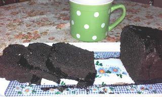 Retete cu margareta cismasiu: Chec cu cacao si glazura de ciocolata