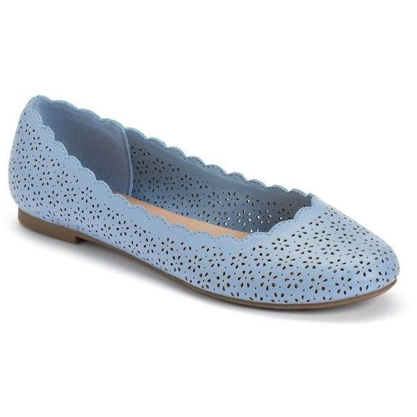 LC Lauren Conrad Women's Scalloped Ballet Flats ($35) ❤ liked on Polyvore featuring shoes, flats, navy, ballerina shoes, ballerina pumps, navy shoes, ballet shoes and round toe ballet flats