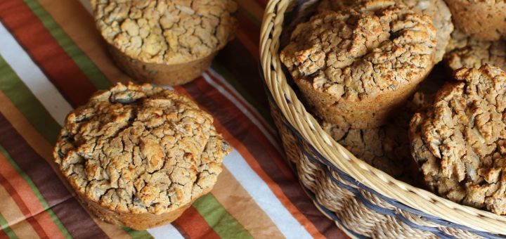 Zurzeit versuche ich, auf glutenhaltige Getreide zu verzichten. Hier ist ein einfaches Rezept für selbst gebackene Mais-Buchweizen-Semmeln.