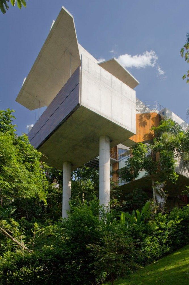 House in Ubatuba   Ubatuba, Brazil   SPBR Arquitetos