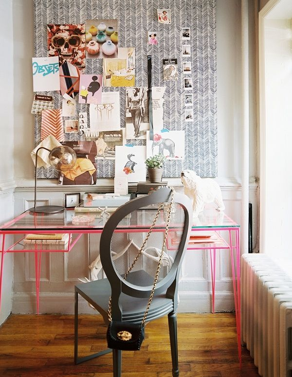 That desk! That chair! Me want!Pin Boards, Offices Spaces, Interiors Design, Bulletin Boards, Work Spaces, Inspiration Boards, Workspaces, Desks, Home Offices