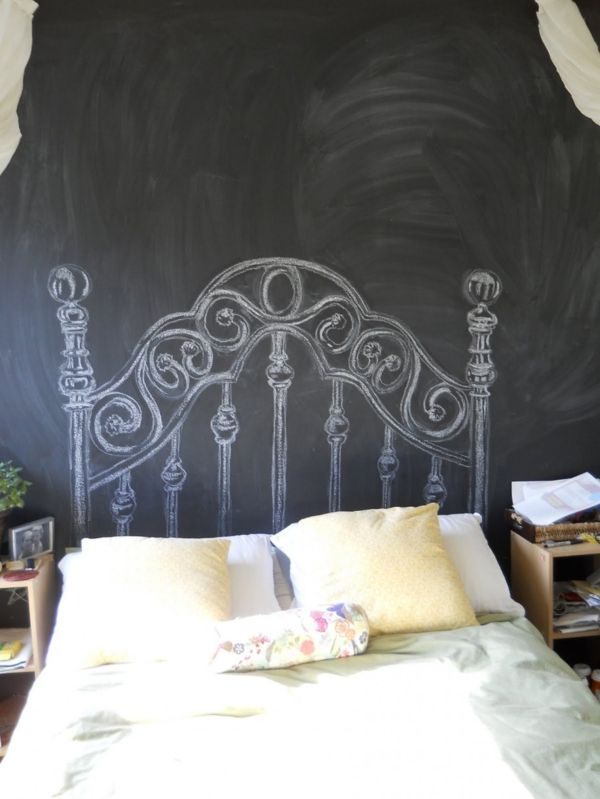 originell und witzig gemaltes betthaupt diy chalkboard. Black Bedroom Furniture Sets. Home Design Ideas