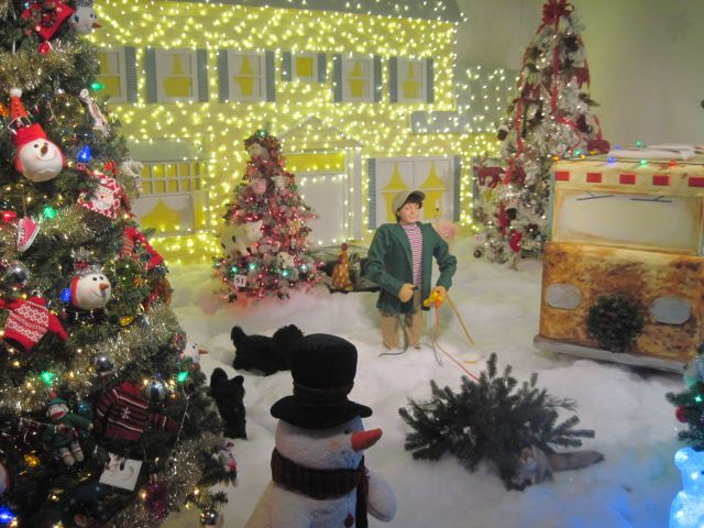 237 best Christmas displays images on Pinterest | Christmas ...