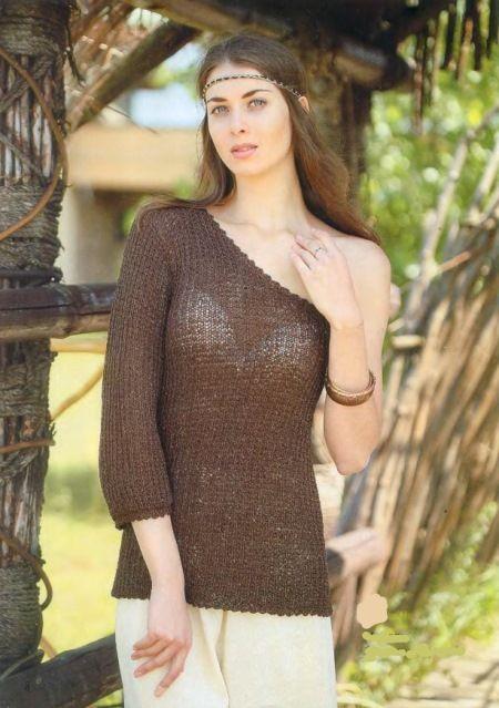 Пуловер с оголенным плечом