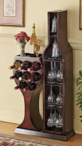 bar en madera,copa y botella