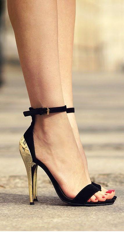 Gorgeous golden heel black strap sandals