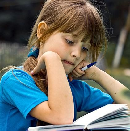 Learning Style Quiz/Tests for children.  This is where I'm going to start.....  Find out what learning style suits her best!