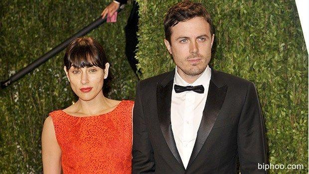 Casey Affleck's Wife Summer Phoenix Files For Divorce From Oscar ...