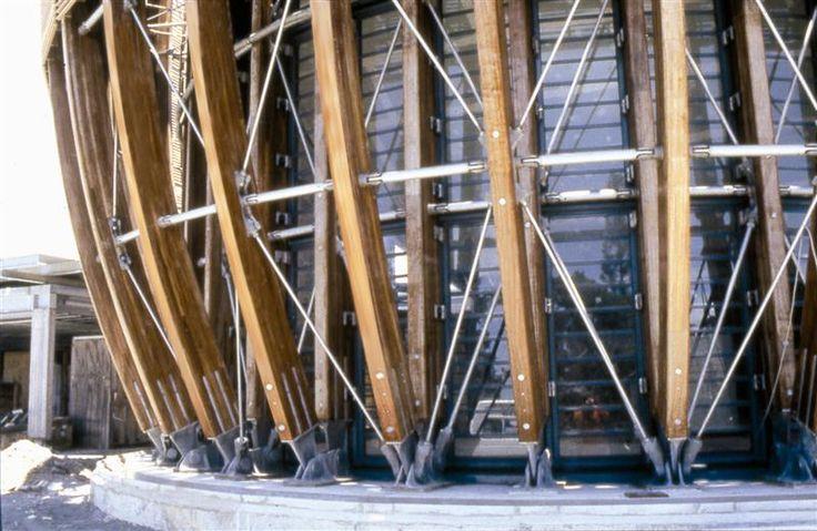 Mathis - Constructions en bois lamellé collé, charpentes, poutres, murs à ossature bois, éco-constructions HQE
